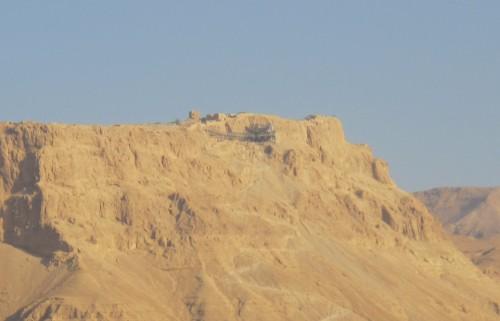 Развалины легендарной крепости Массада, давшая имя современной спецслужбе Израиля.
