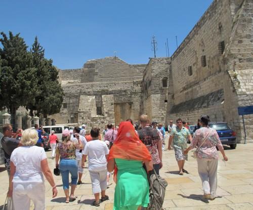 Базилика Рождества Христова в Вифлееме - похожа скорее на крепость, чем на храм божий.