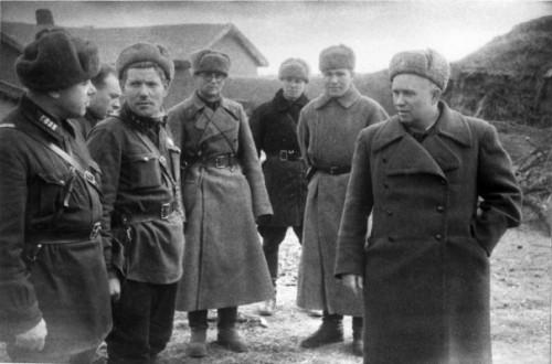Никита Сергеевич Хрущев на фронте.