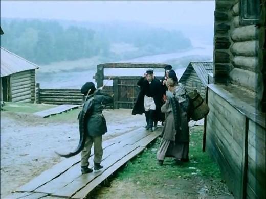 Сибирская деревушка Елань начала XX века - строения и быт людей был очень хорошо воспроизведен, практически до мелочей